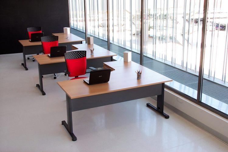Mesas hydra classic puestos operativos color madera peral estructura metálica negr