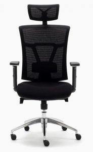 silla ergonómica modelo Ankara sincro respaldo y cabezal en malla negra asiento tapizado en tela negra brazos regulables