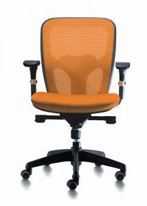Sillas Boston mecanizado sincro con brazos regulables asiento tapizado respaldo en malla color naranja
