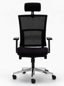 Sillas Atlanta AGN respaldo en malla negra con cabezal regulable sistema sincro elevación por pistón brazos regulables asiento tapizado en tela negra base aluminio pulido